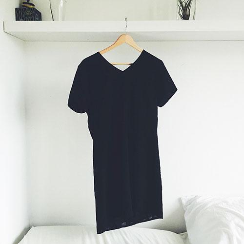Het zwart jurkje