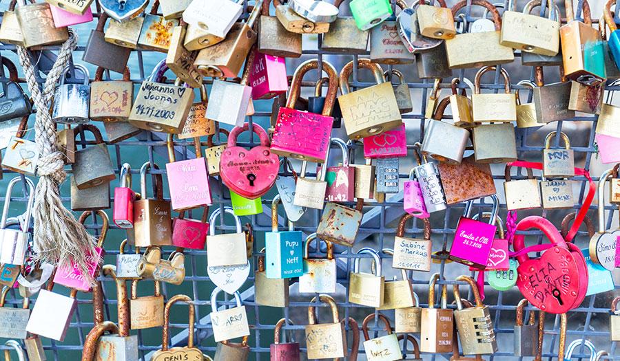 Wat love locks ons over de liefde vertellen