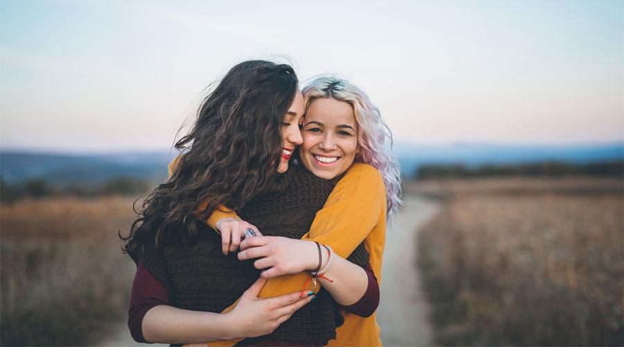 Waarom vriendschappen niet onderdoen voor andere relaties