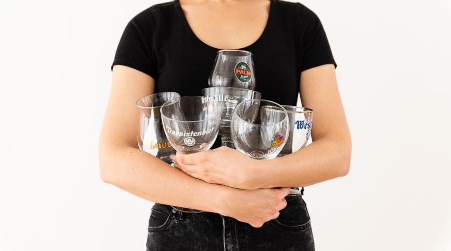 Kringwinkelliefde: Drink bier, weer uit bierglazen